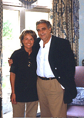 Placido Domingo with photographer Daniela Scaramuzza